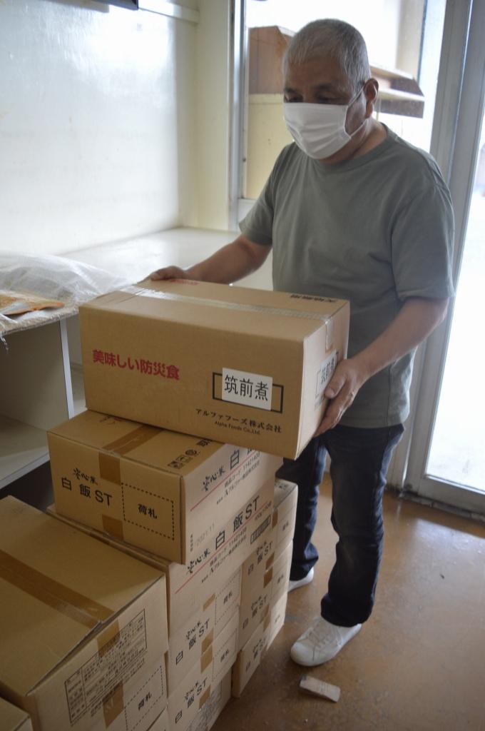 寄付された食品は旧新月公民館内で保管している